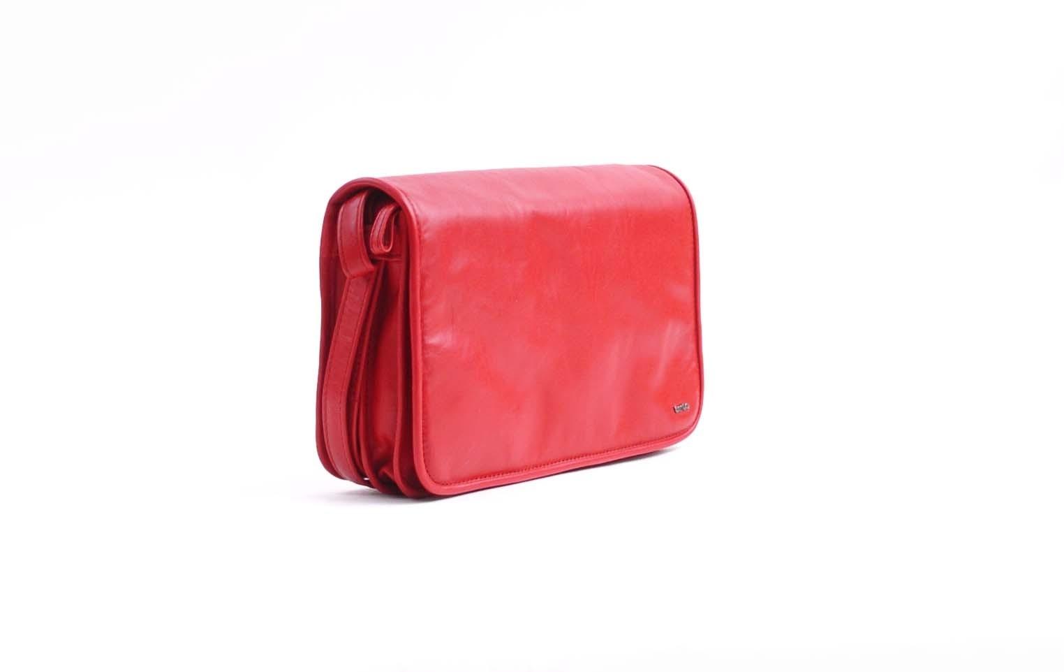 berba Soft 117 - Umhängetasche in rot Seitenansicht